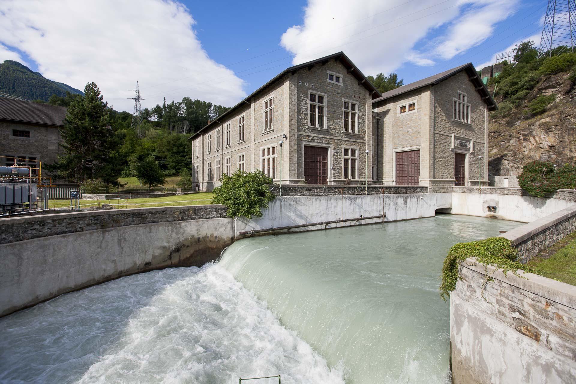 Centrale idroelettrica energia rinnovabile Champagne 2 Gruppo CVA