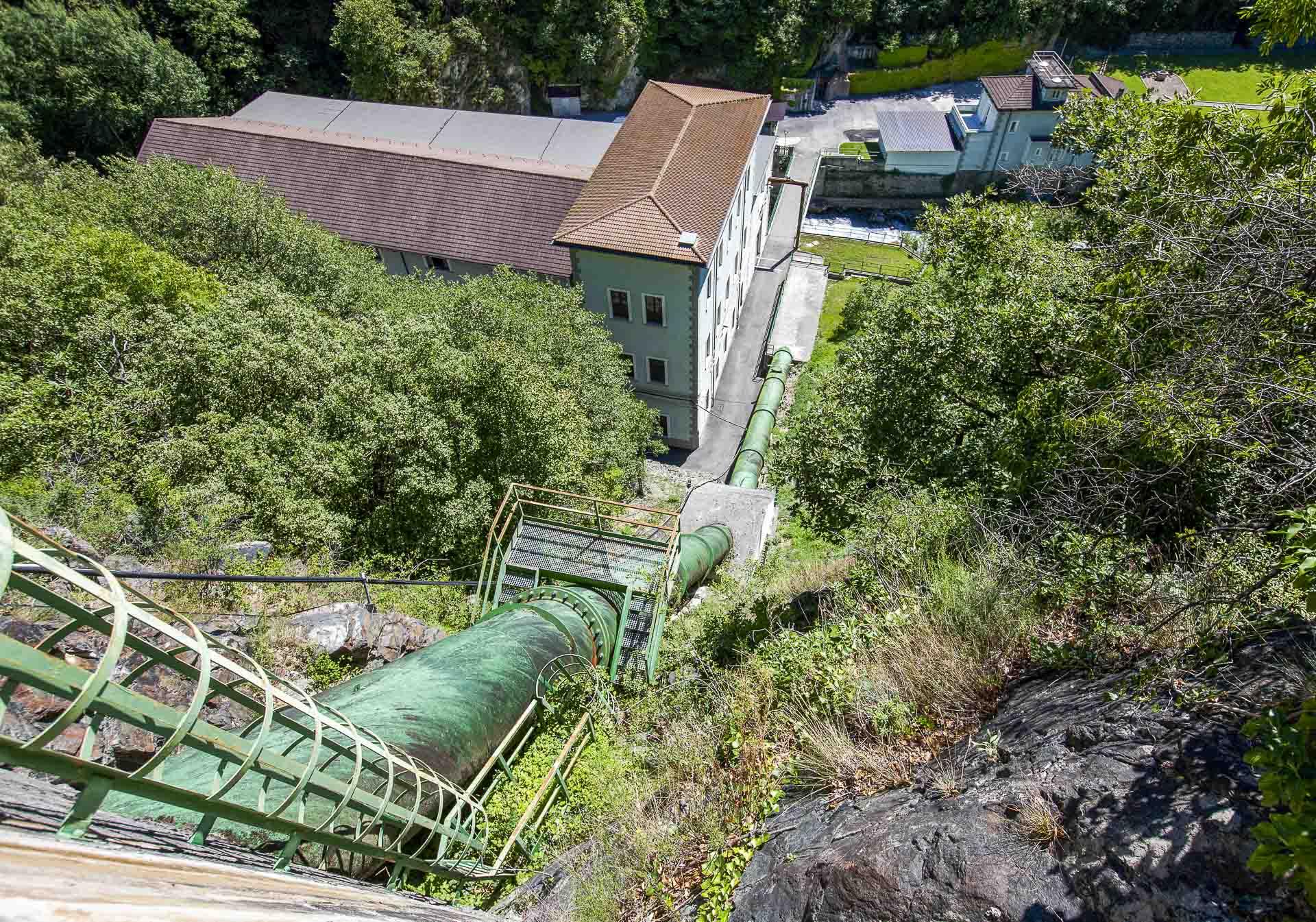 Centrale produzione idroelettrica rinnovabile Verres CVA condotta forzata