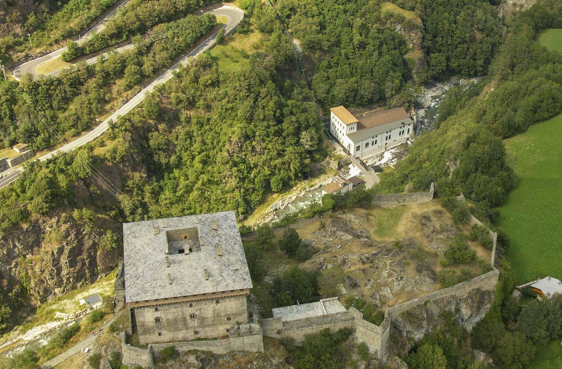 Centrale produzione idroelettrica rinnovabile Verres CVA esterno