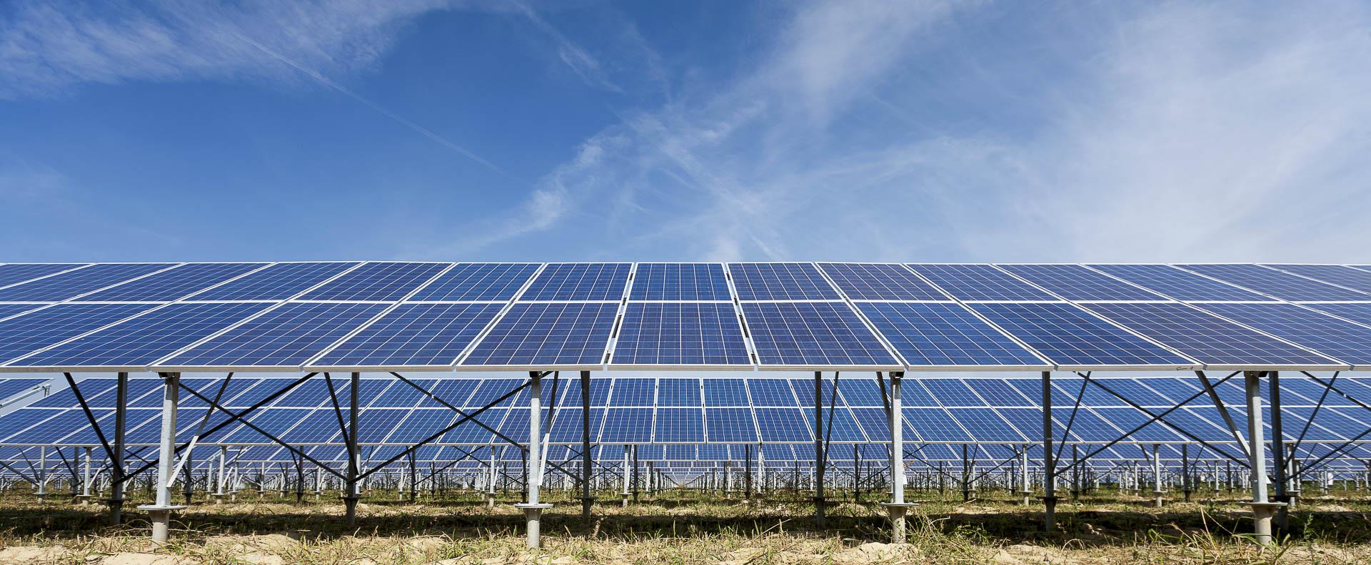 Parco produzione energia dal sole rinnovabile sostenibile Alessandria sud pannelli solari