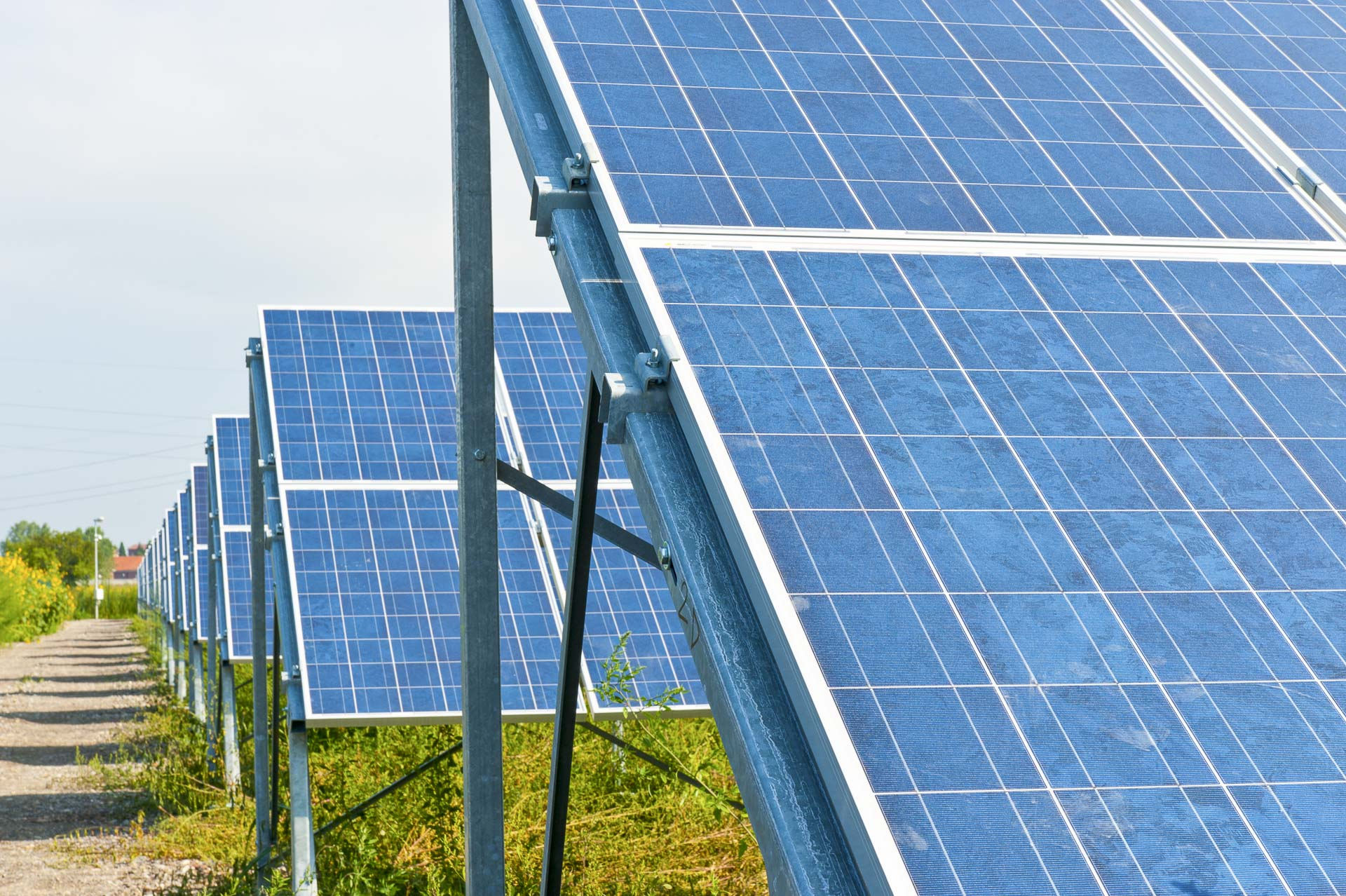 Parco produzione energia dal sole rinnovabile sostenibile Alessandria sud pannelli fotovoltaici