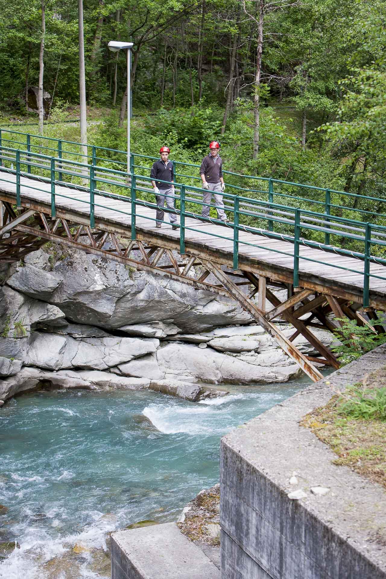 Centrale idroelettrica ad acqua fluente per energia pulita Grand Eyvia