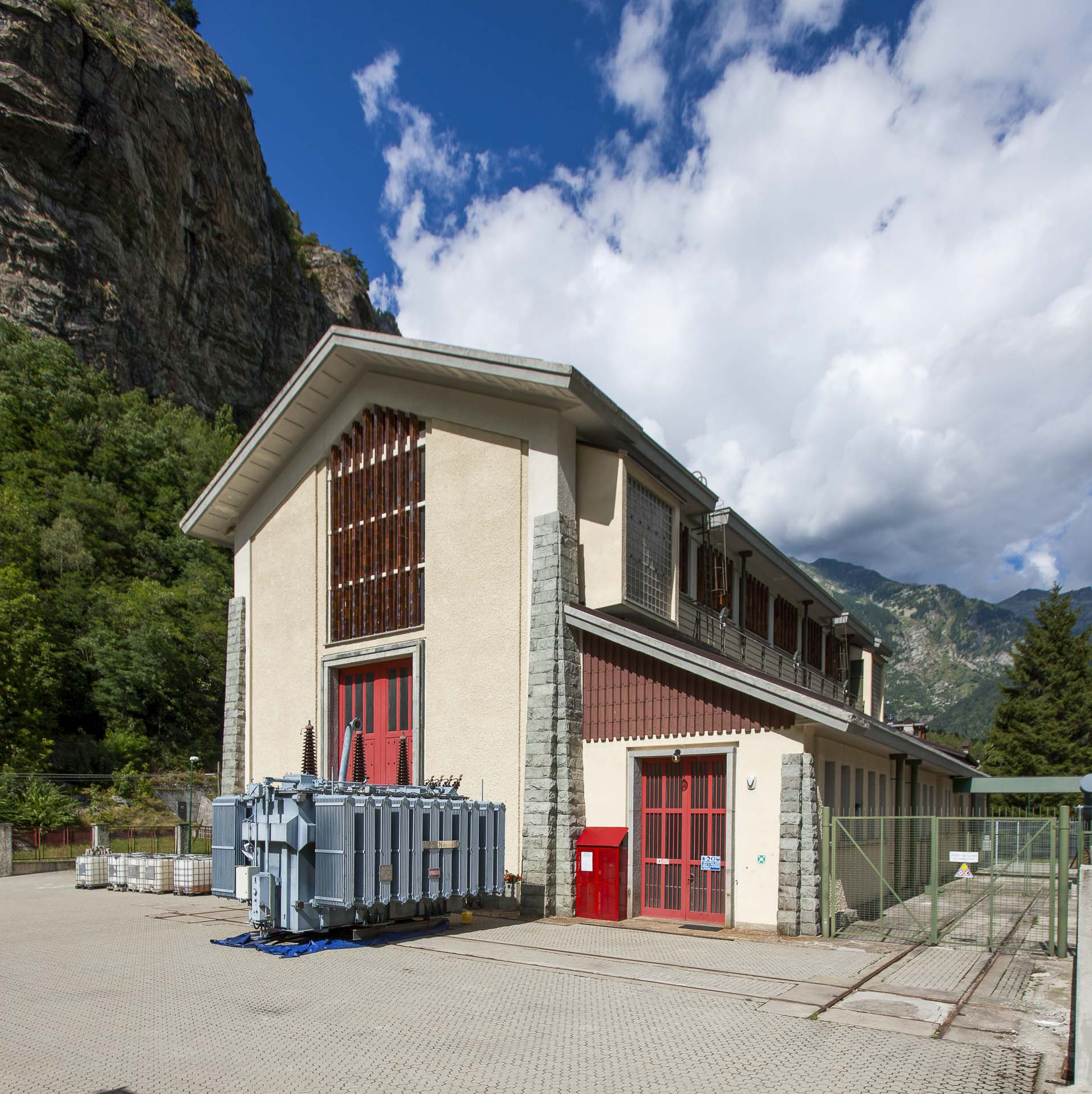 Centrale idroelettrica CVA a Zuino produzione energia elettrica verde