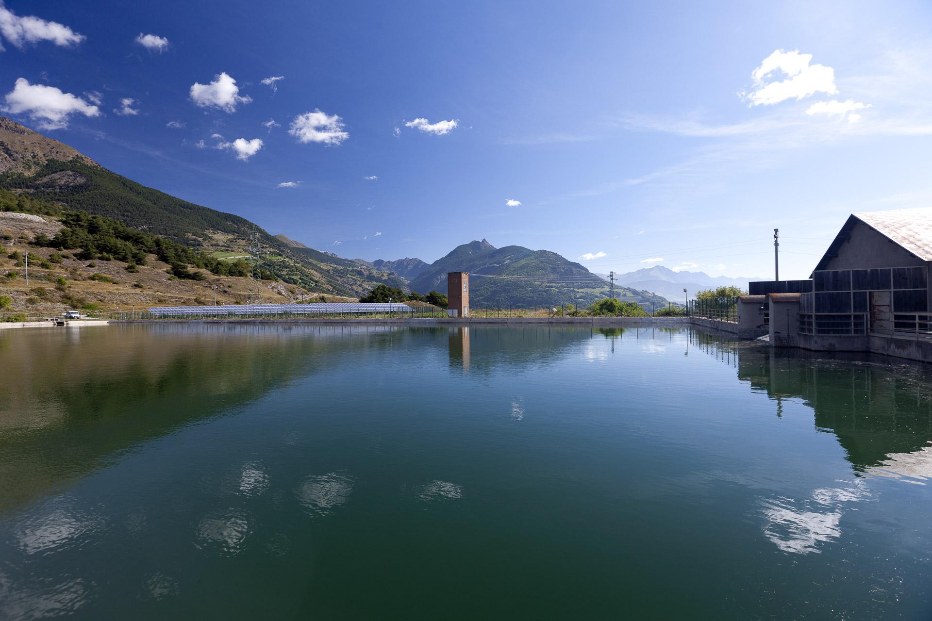 Impianto produzione energie fotovoltaica rinnovabile CVA Quart La tour