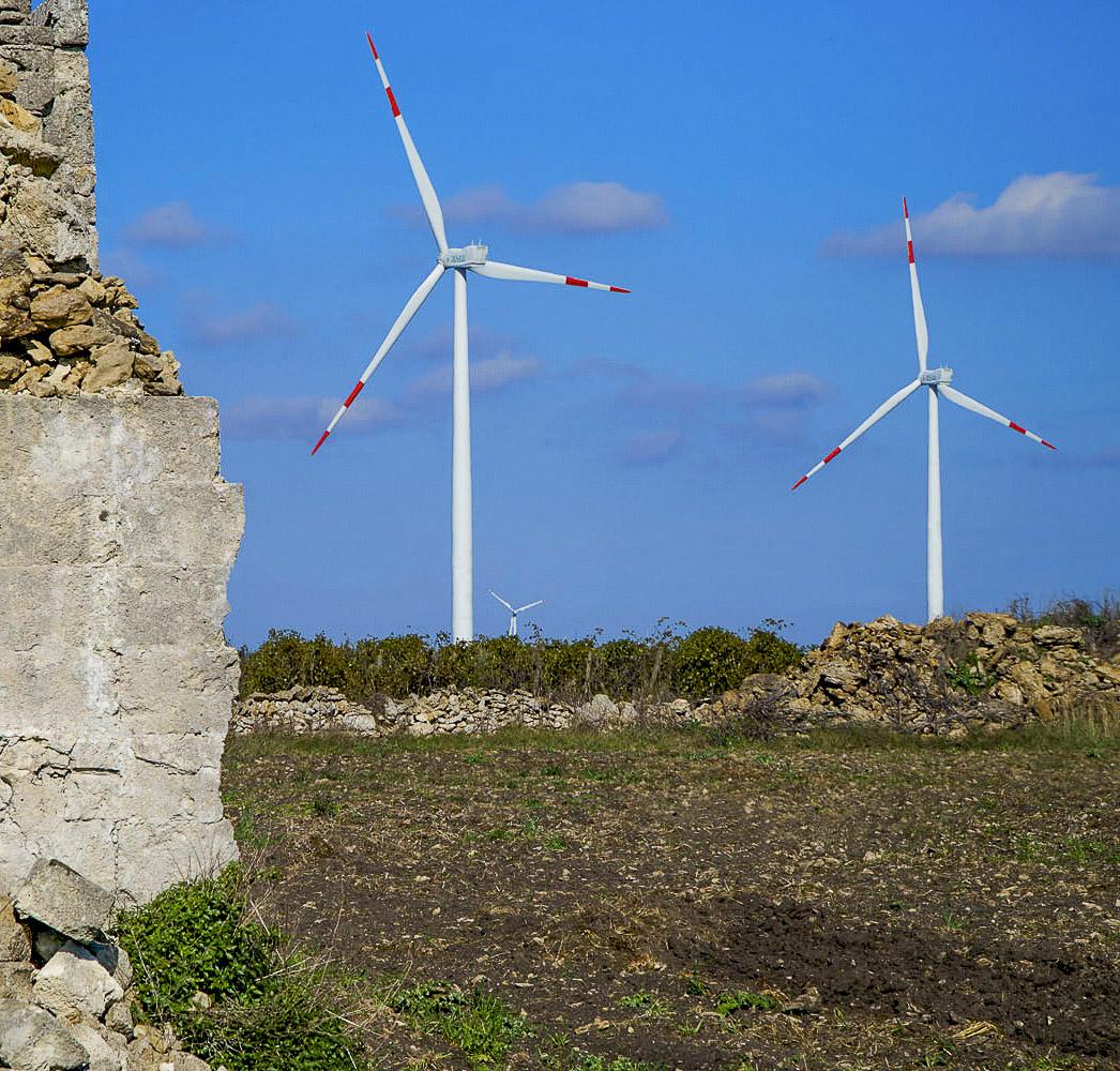 Impianto energia elettrica verde rinnovabile eolica di Lamacarvotta